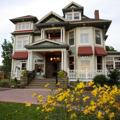 Tait House Inn, New Brunswick