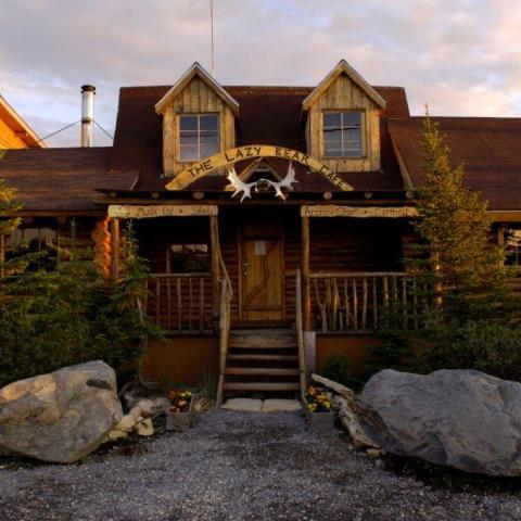 Lazy Bear Lodge, Churchill
