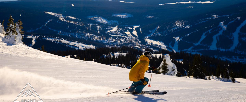 skiing in sun peaks