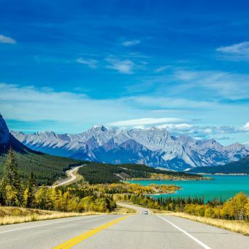 Abraham Lake, Rocky Mountains, Alberta - credit: Lacey Gilmour @laceylannae